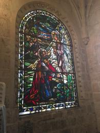 Beautiful window inside the Cathedral. Hermosa Ventana adentro de la Cathedral.