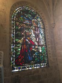 Beautiful window inside the Cathedral. Hermosa Ventana adentro de la Cathedral.